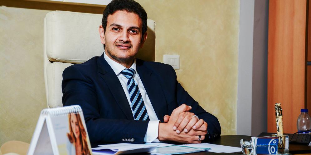 الدكتور حسام تحسين؛ رائد عمليات نحت الجسم الديناميكي رباعي الأبعاد