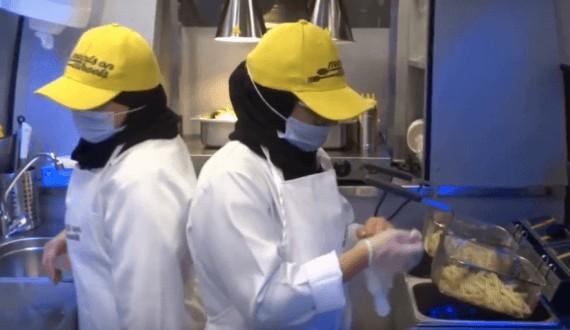 افتتاح أول مشروع لعربة طعام نسائية بالمملكة