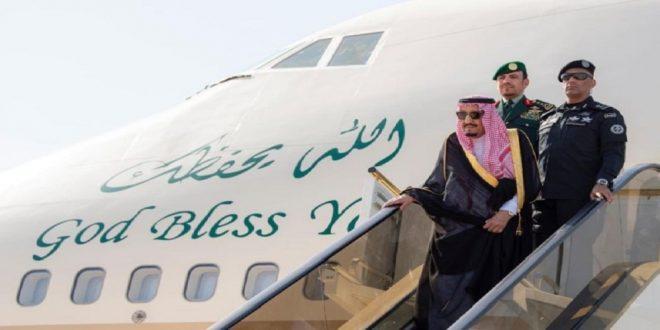 الملك سلمان يصل مطار نيوم