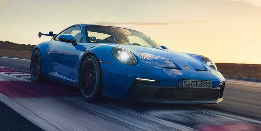 بورشه 911 GT3.. القوة والصلابة على حلبة السباقات